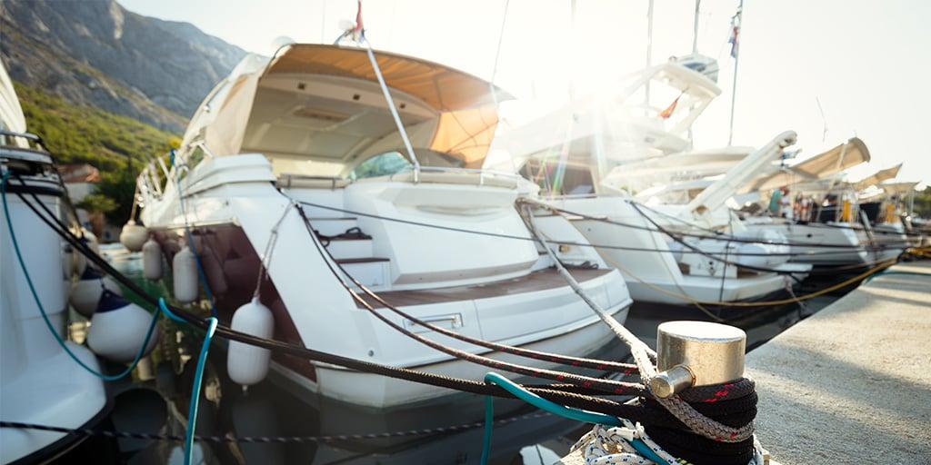 Sjekk alltid båtens tilstand og medfølgende utstyr og tilbehør før kjøp
